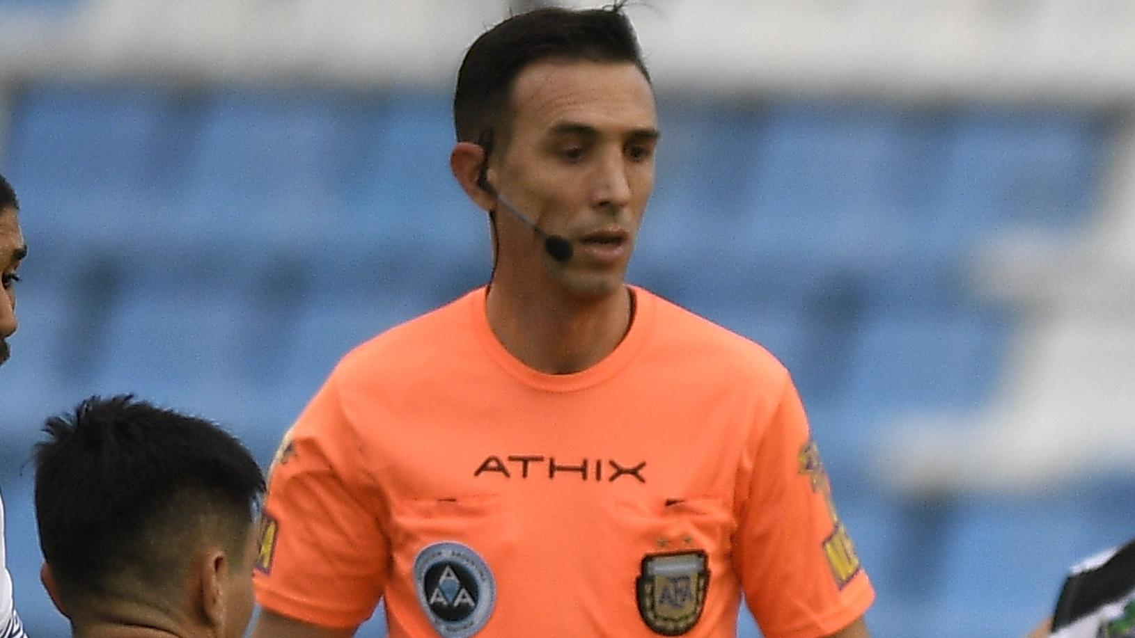 Dóvalo, será el árbitro / Vélez Sarsfield